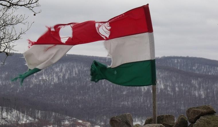 Megszüntetik az Emberek Pártját, a Magyarország a Magyaroké Magyar Nemzeti Pártot és a Demokratikus Keresztény Királyság Pártot is
