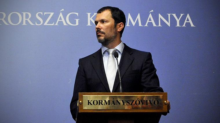 Miután Giró-Szász András megint eladta a Strategopolist, a cég máris kapott egy 560 milliós megbízást a Miniszterelnökségtől
