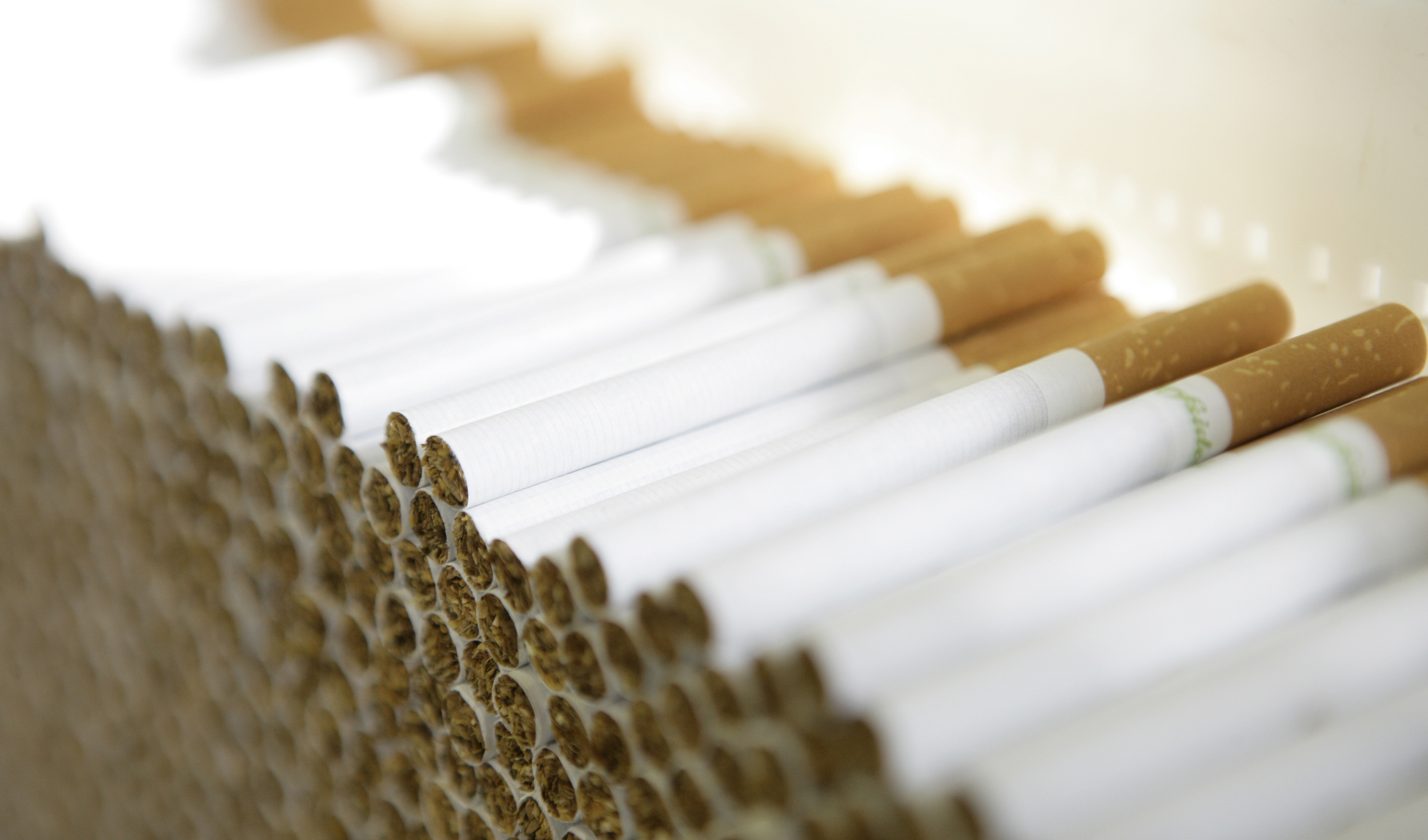 Nagyot drágul a cigi, sokan tervezik a leszokást