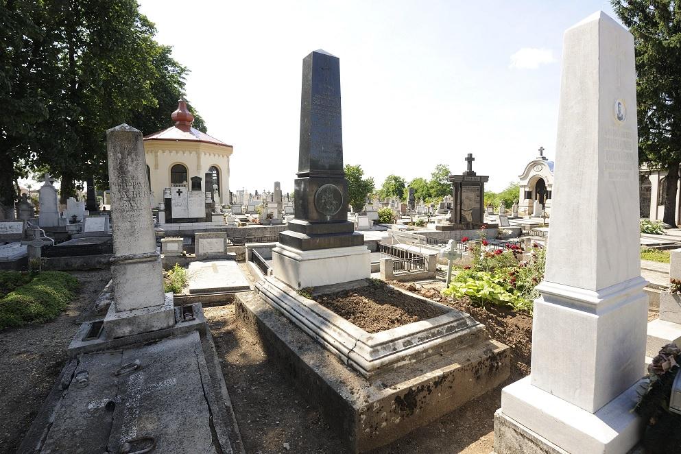 Túl sokan voltak a temetésen, otthagyta a gyásznépet a nógrádi pap