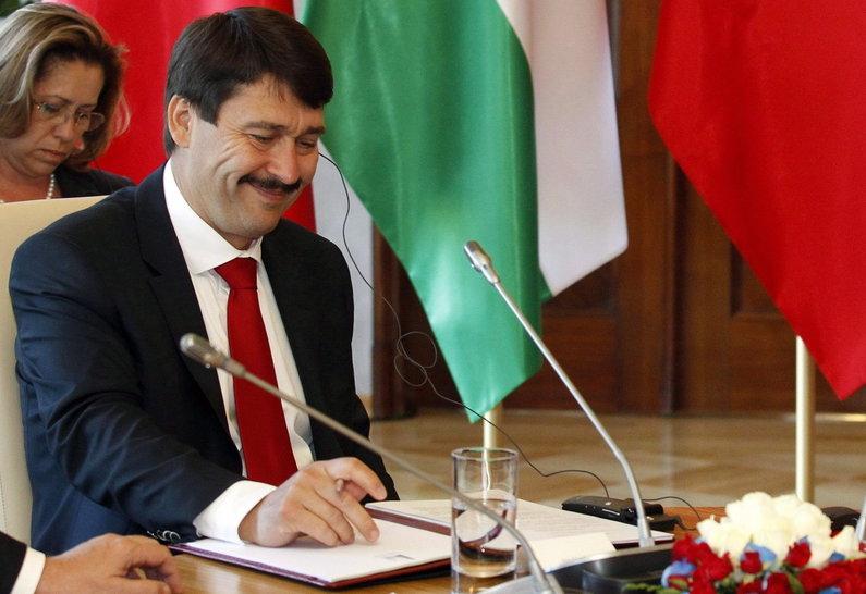 Áder János aláírta a CEU-ellenes törvényt