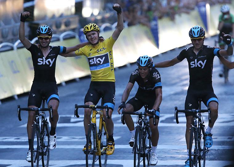 Chris Froome elindult Lance Armstrong lejtőjén