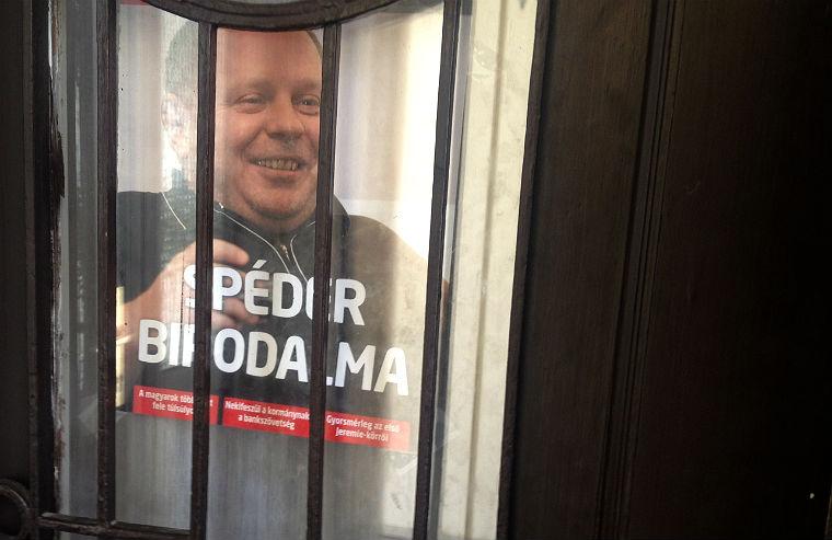 Legalább öt szálon nyomoznak Spéder Zoltán ügyeiben