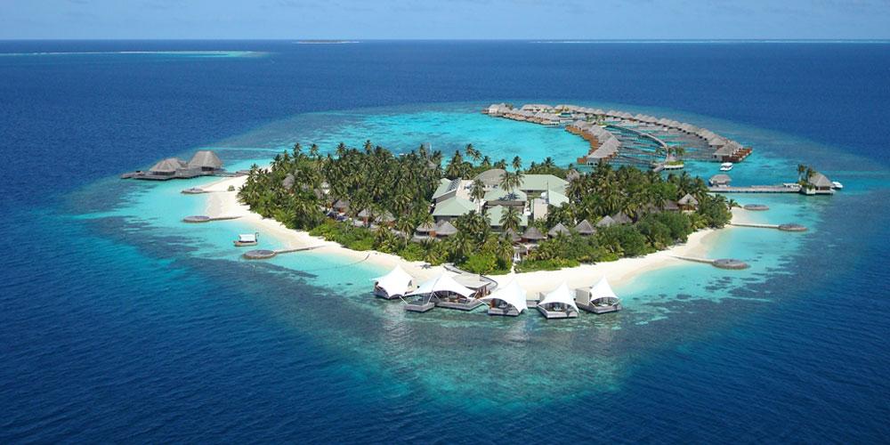 A Maldív-szigetekre reptette az udvari gép Mészáros Lőrincet és családját