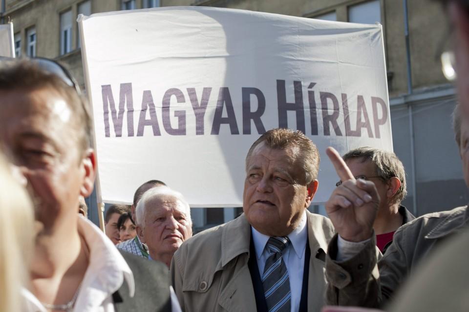 Széles Gábor a szennyes kiteregetésével fenyegeti a Pesti Srácok főszerkesztőjét