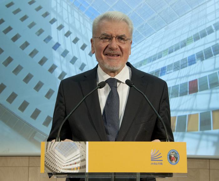 Pártot alapított Pálinkás József, az Akadémia volt elnöke, Orbán egykori minisztere