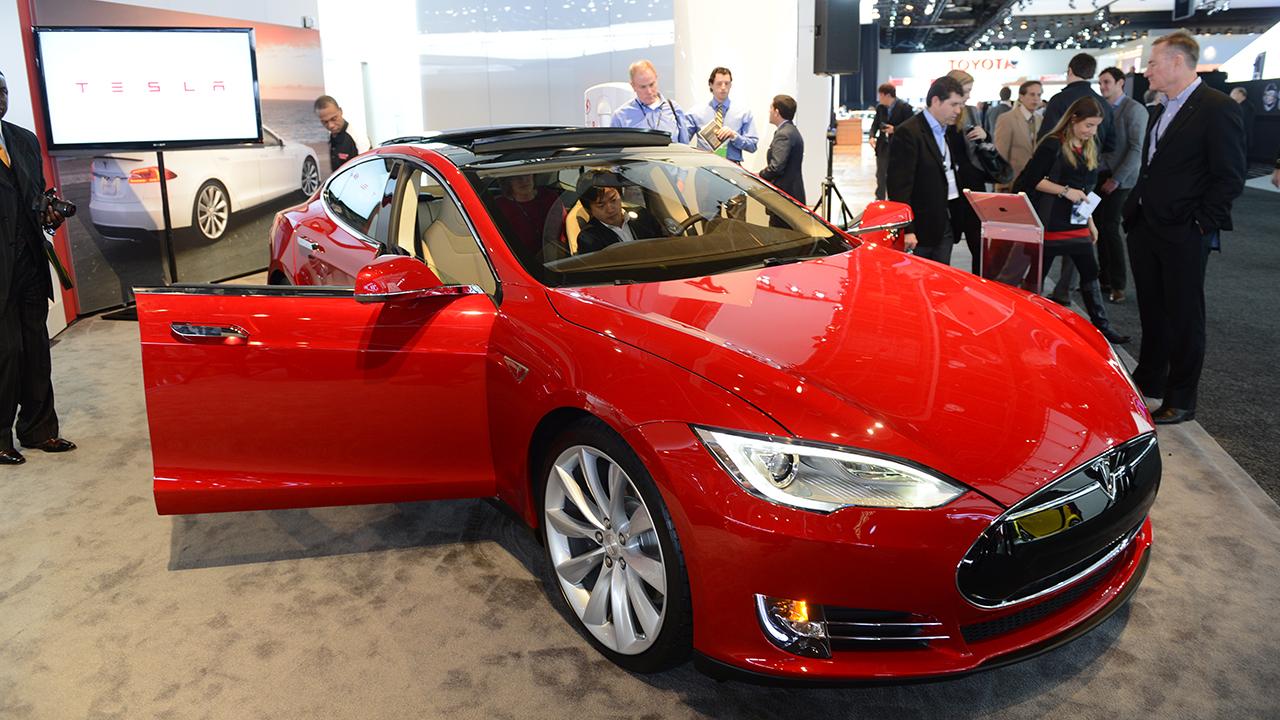 Kikapcsolta a robotpilótát a Tesla egy használtan értékesített modellnél, mondván, az új tulaj nem fizetett érte közvetlenül a cégnek