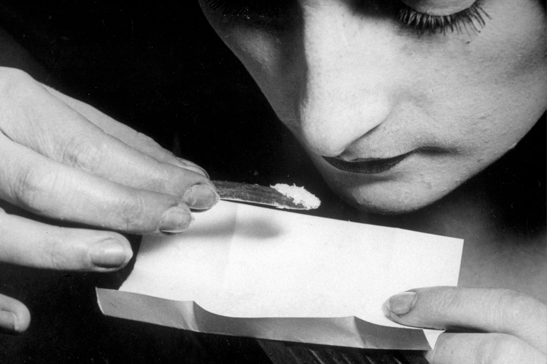 Melltartójából árulta a kokaint Szilvia az oxfordi utcákon