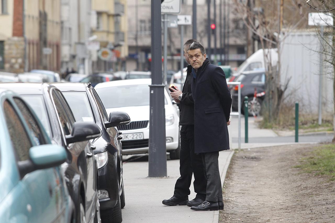 Habony és Finkelstein Sarkozynek ad tanácsot