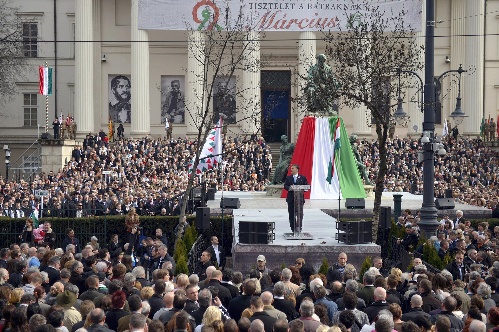Lefújja a kormány a március 15-ei ünnepséget
