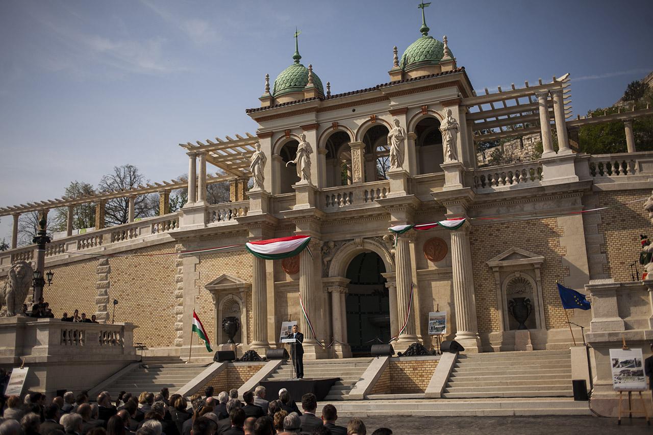 Már megint felújítják a kormányzás szimbólumát, a Várkert Bazárt