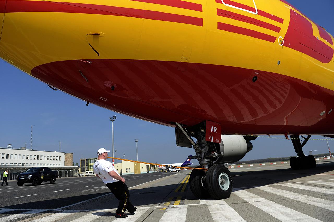 10 év után először csökkent a világon a légi úton szállított áru mennyisége idén, és a hozamcsökkenés is jelentős