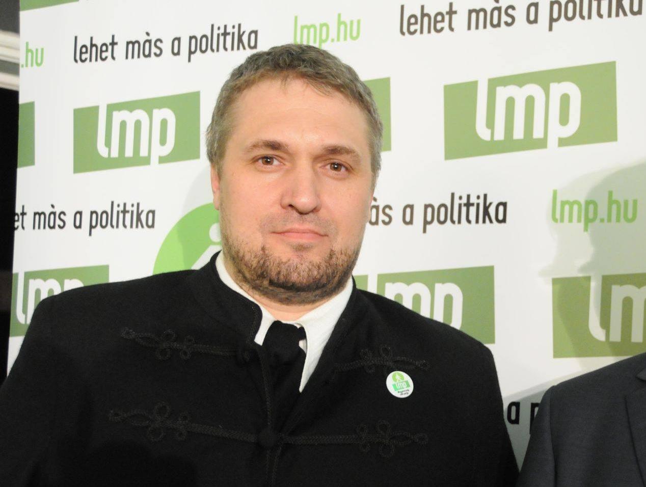 Sallai Róbert Benedek: Varju László megnézhette volna magát egy túrkevei motorostalálkozón, ha a rendezők kikísérik