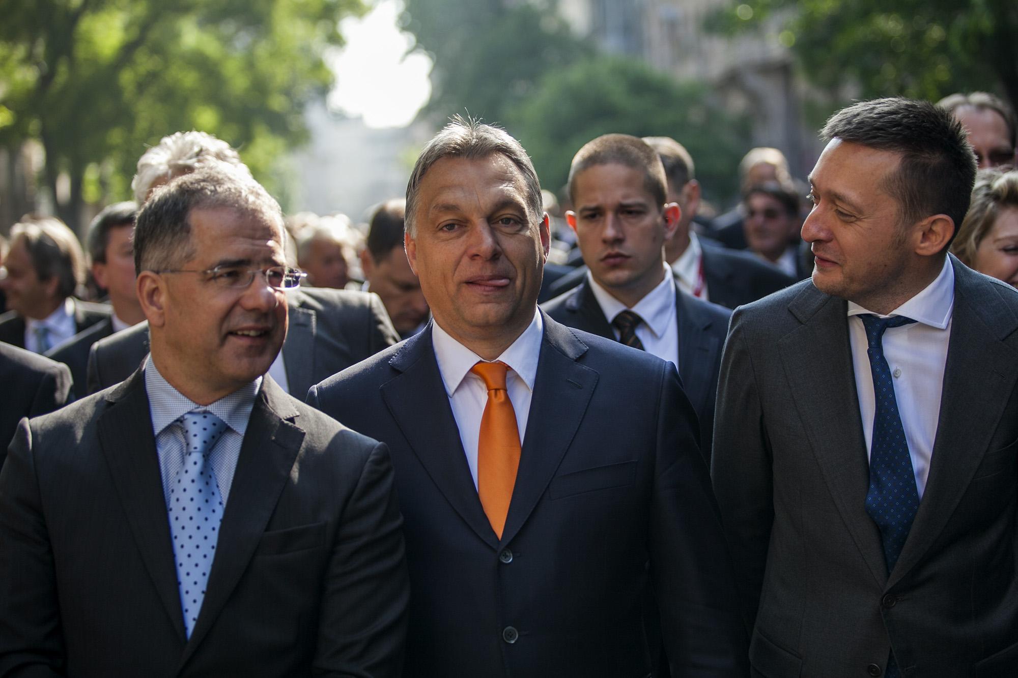 """Kósa Lajos """"helyi bolondként"""" mutatott be egy férfit Orbánnak, félmillió helyett végül csak 50 ezret kellett fizetnie"""