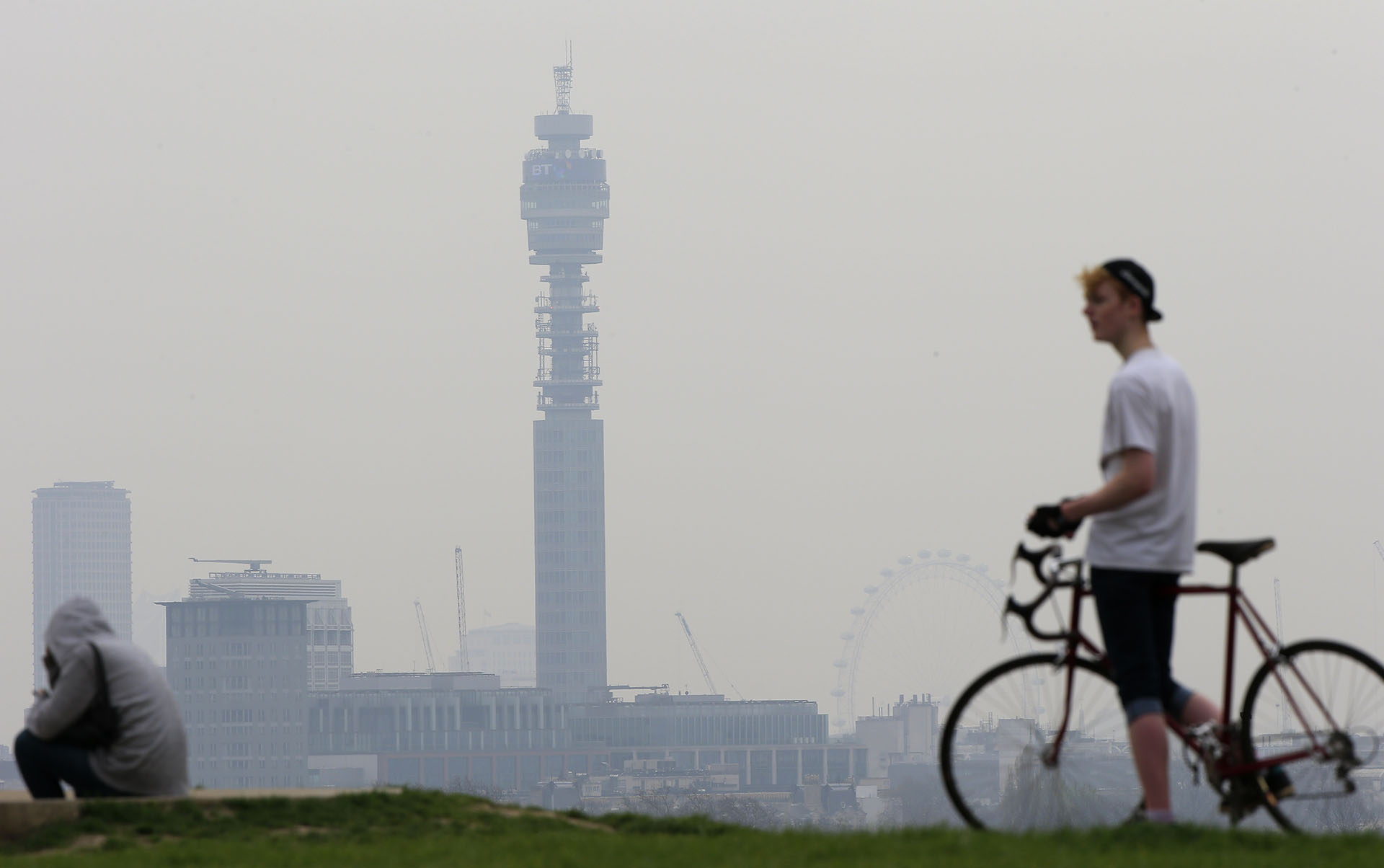 Először nevezték meg a légszennyezettséget egy ember halálának okaként Nagy-Britanniában