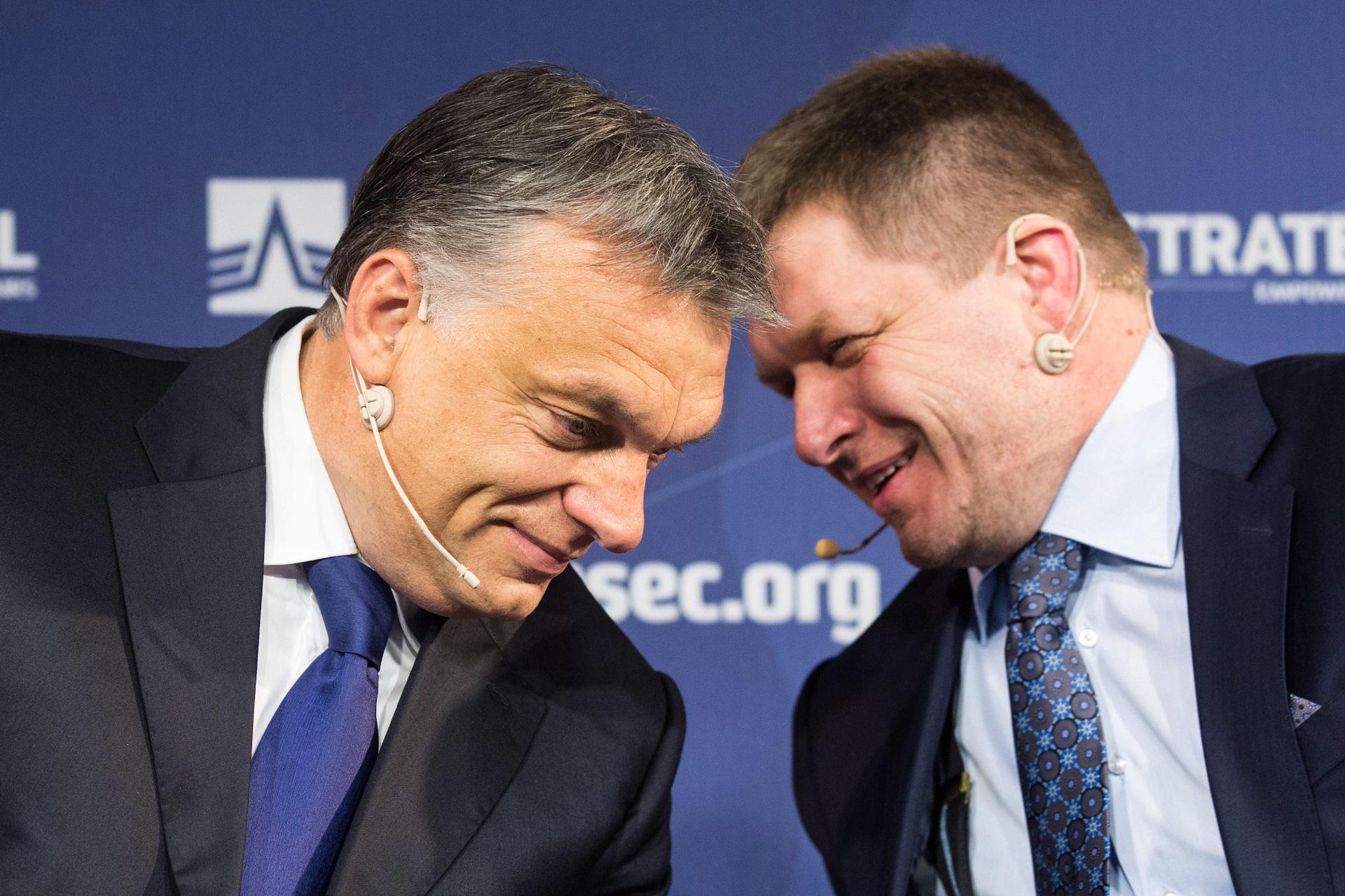 Míg a szlovákok ügyesen kikerülik a kvótát, a magyarok botrányt csinálnak
