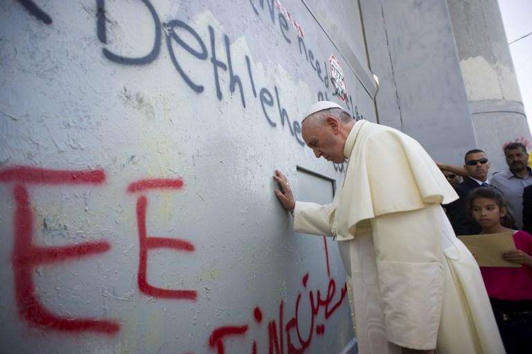 Ferenc pápa a bőség áldását kérte Áder Jánosra