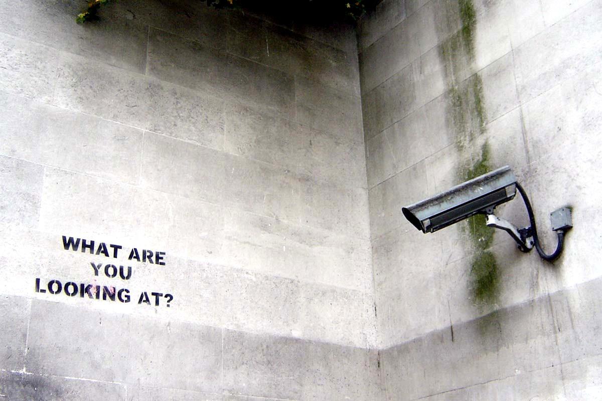Fürtökben lógnak a hódmezővásárhelyi oszlopokon a méregdrága térfigyelő kamerák