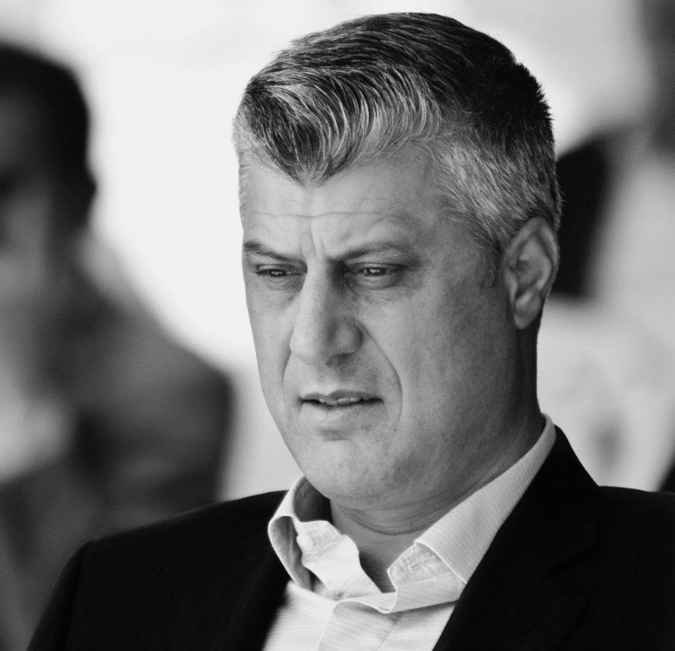 Koszovó elnöke szerb háborús áldozatok emlékművénél tisztelgett