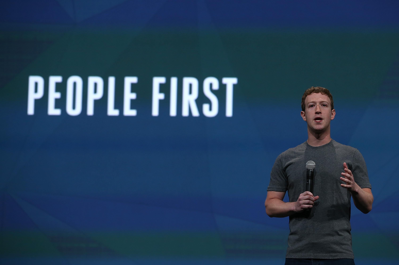 A Facebook azt kéri, hogy küldd el neki a meztelen tested képét, hogy senki más ne tudjon visszaélni vele