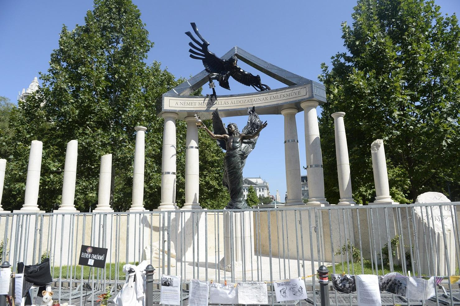 Újabb emlékművet kap a Szabadság tér: félmilliárdból épül egy fekete gránit obeliszk