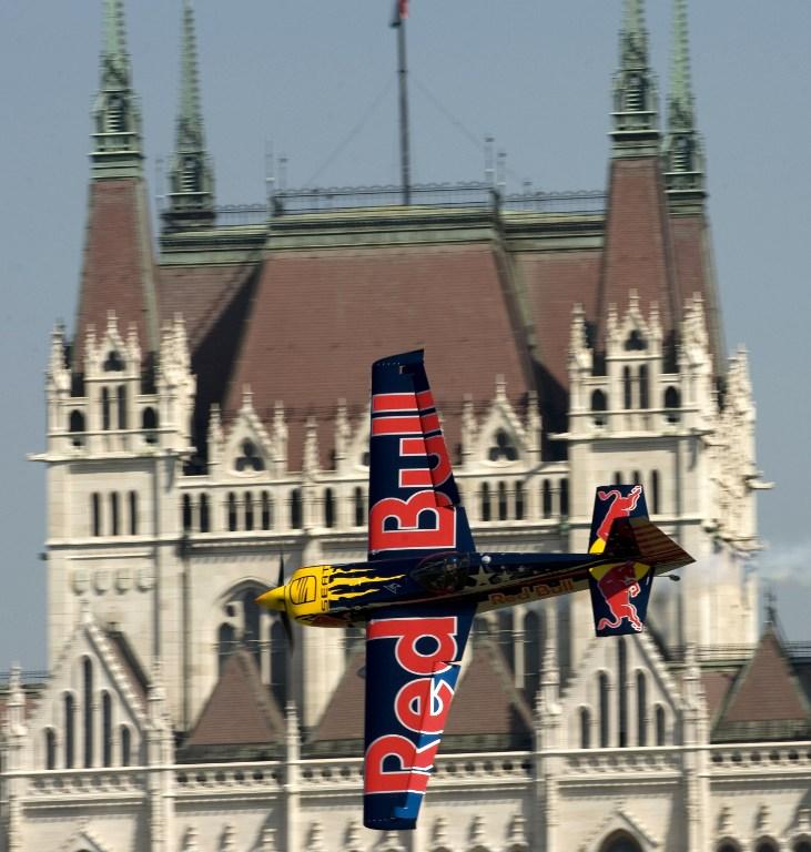 A Red Bullnak adnák el az újpesti focicsapatot