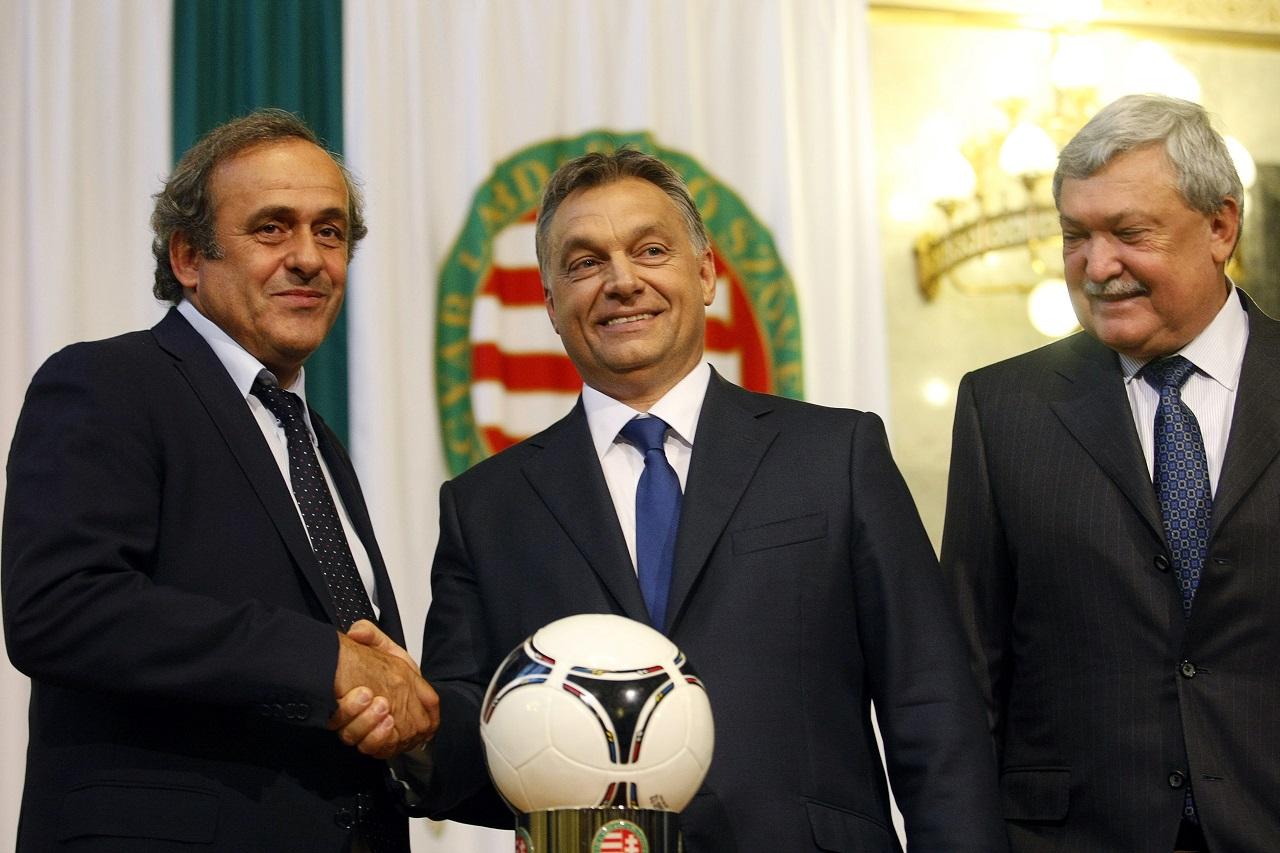 Platini lemondott az UEFA-elnökségről