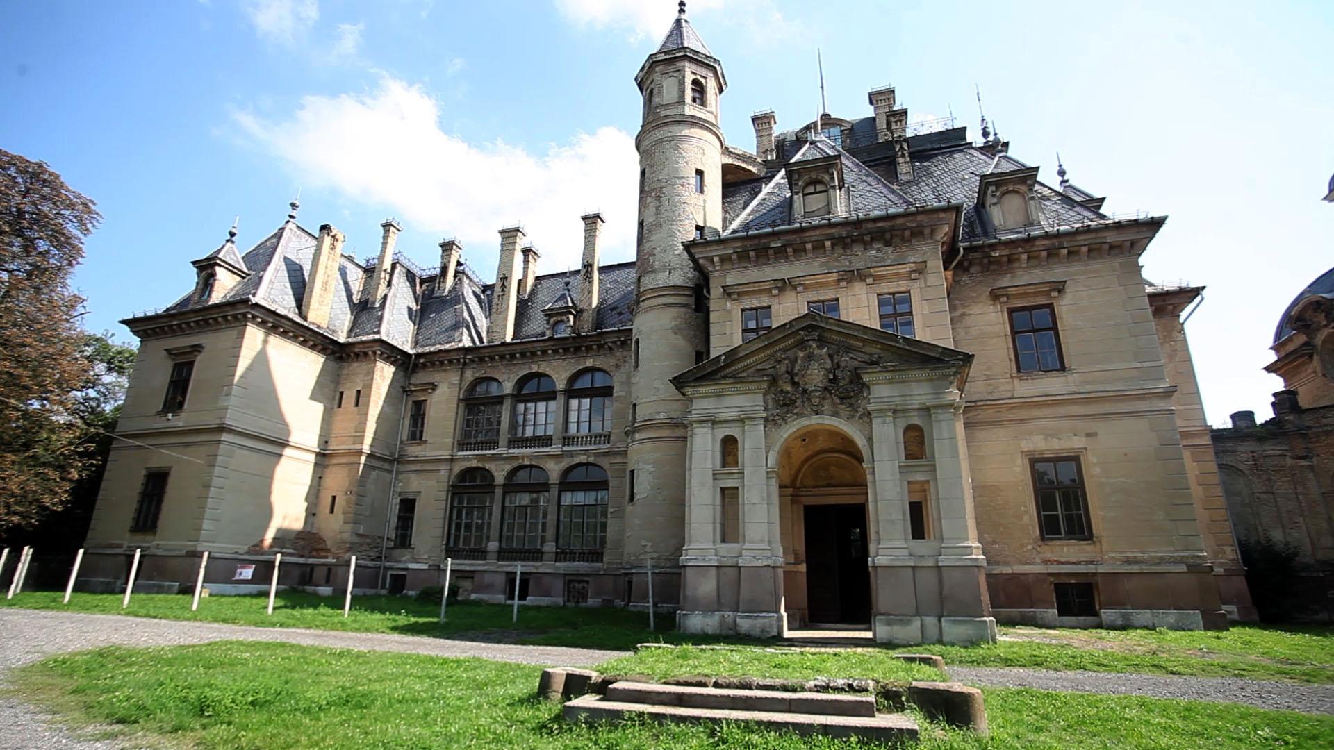 A Bors szerint a turai kastélyban járt Orbán Viktor apja