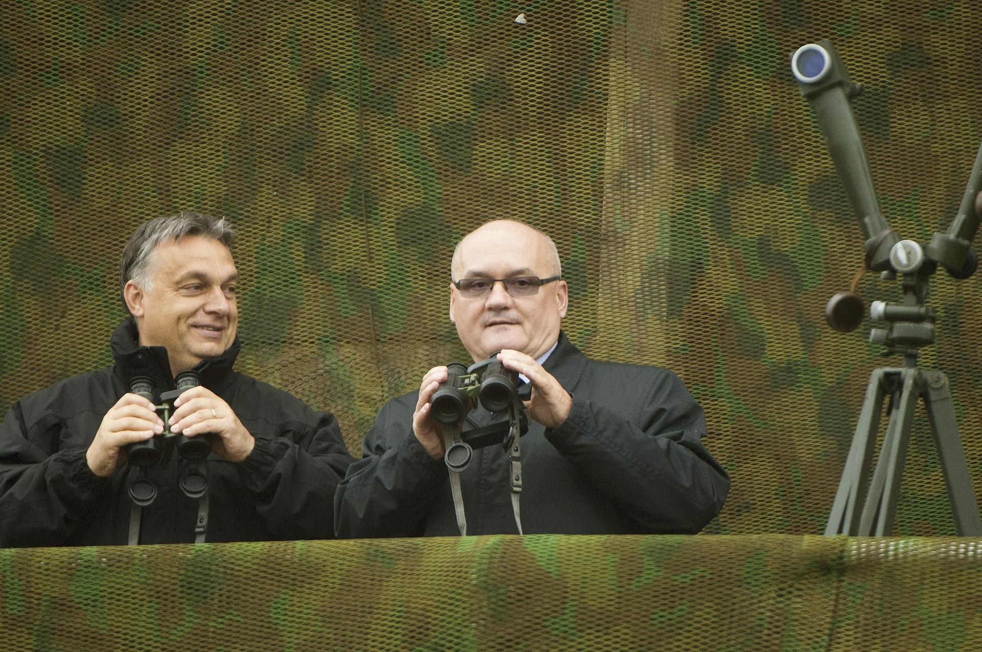 Orbán: A magyar családok számára a katonai kapacitás, a bevethető katonai erő mindig szükséges lesz