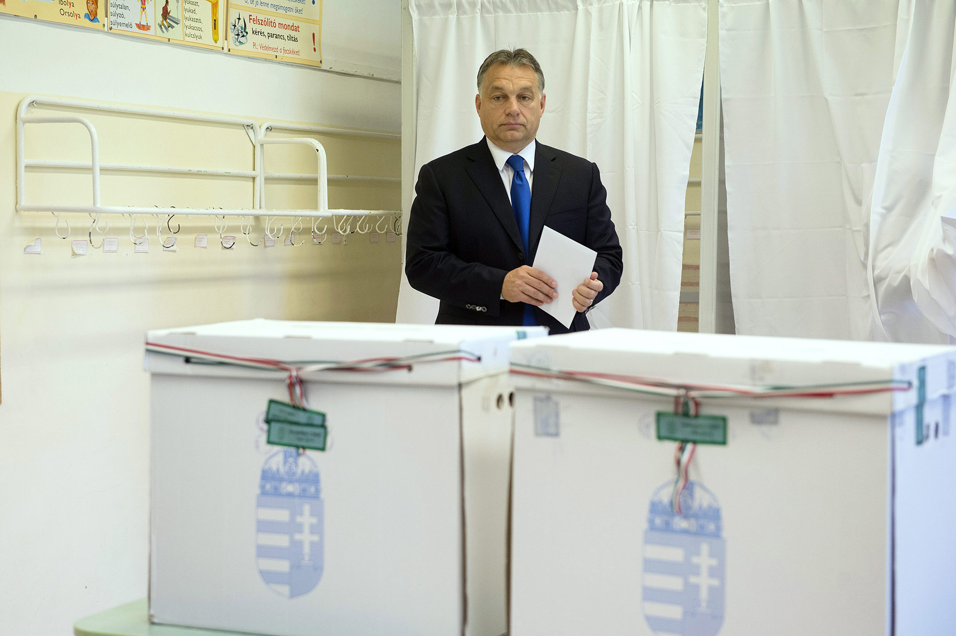 Többen szeretnének kormányváltást, mégis legyőzhetetlennek látják a Fideszt