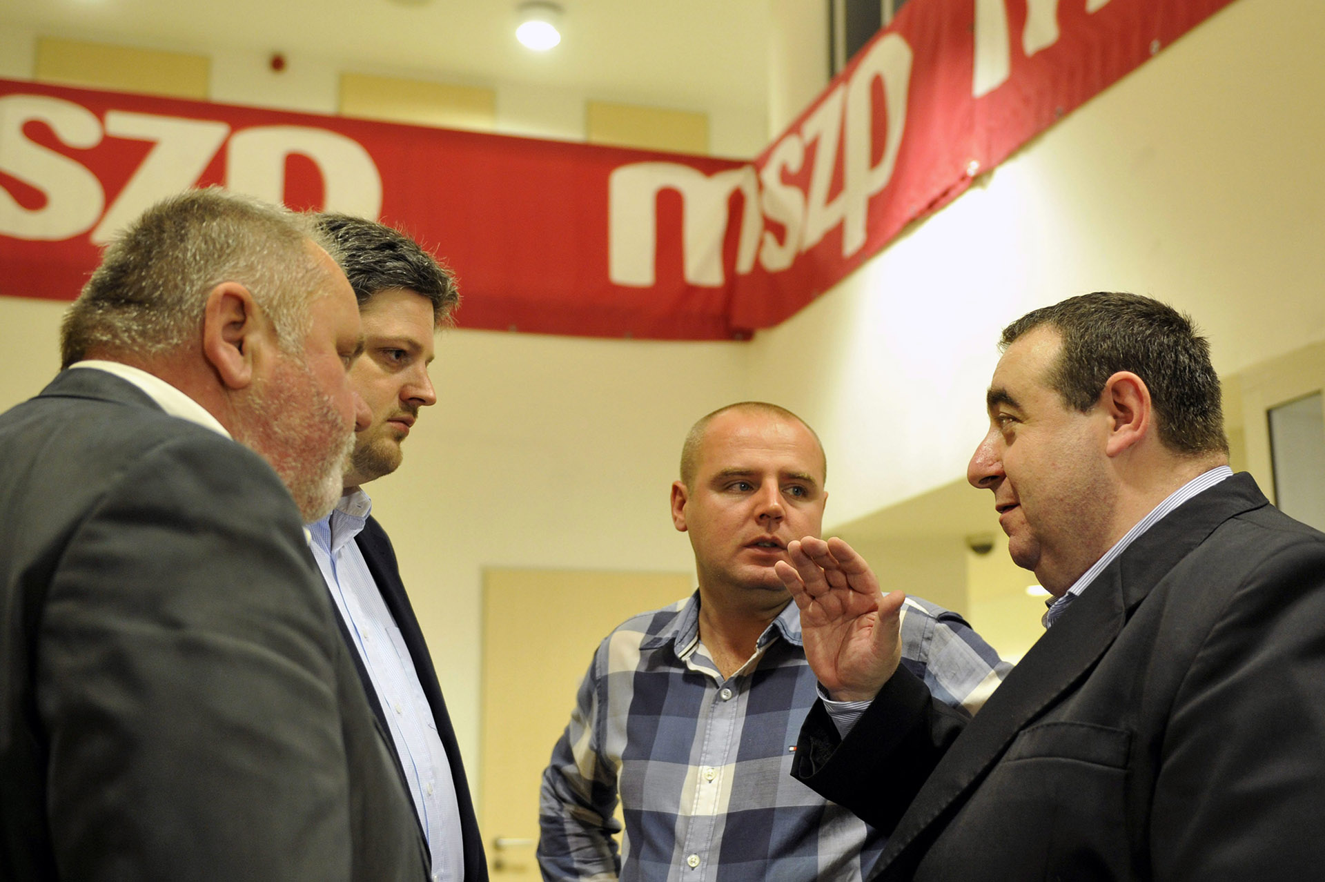 Kiderült, miért mentették fel a csempészcigit szállító volt MSZP-s parlamenti képviselőt, Legény Zsoltot