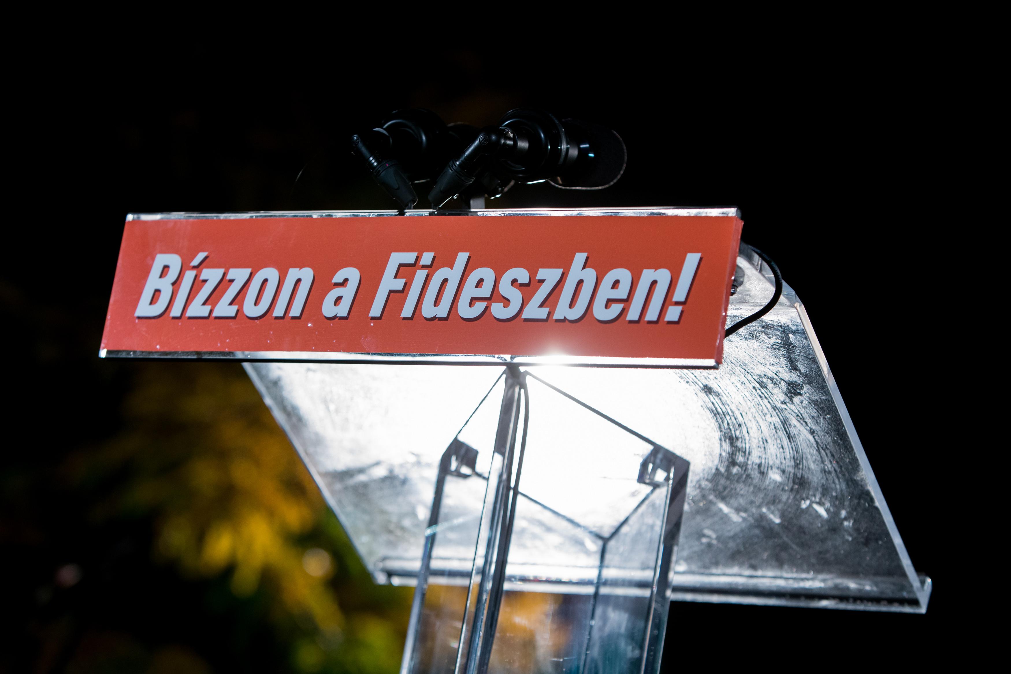 Fehérvárcsurgón elcsalták a számlálást a fideszes javára, de újraszámlálták, így mégis győzött a független kihívója