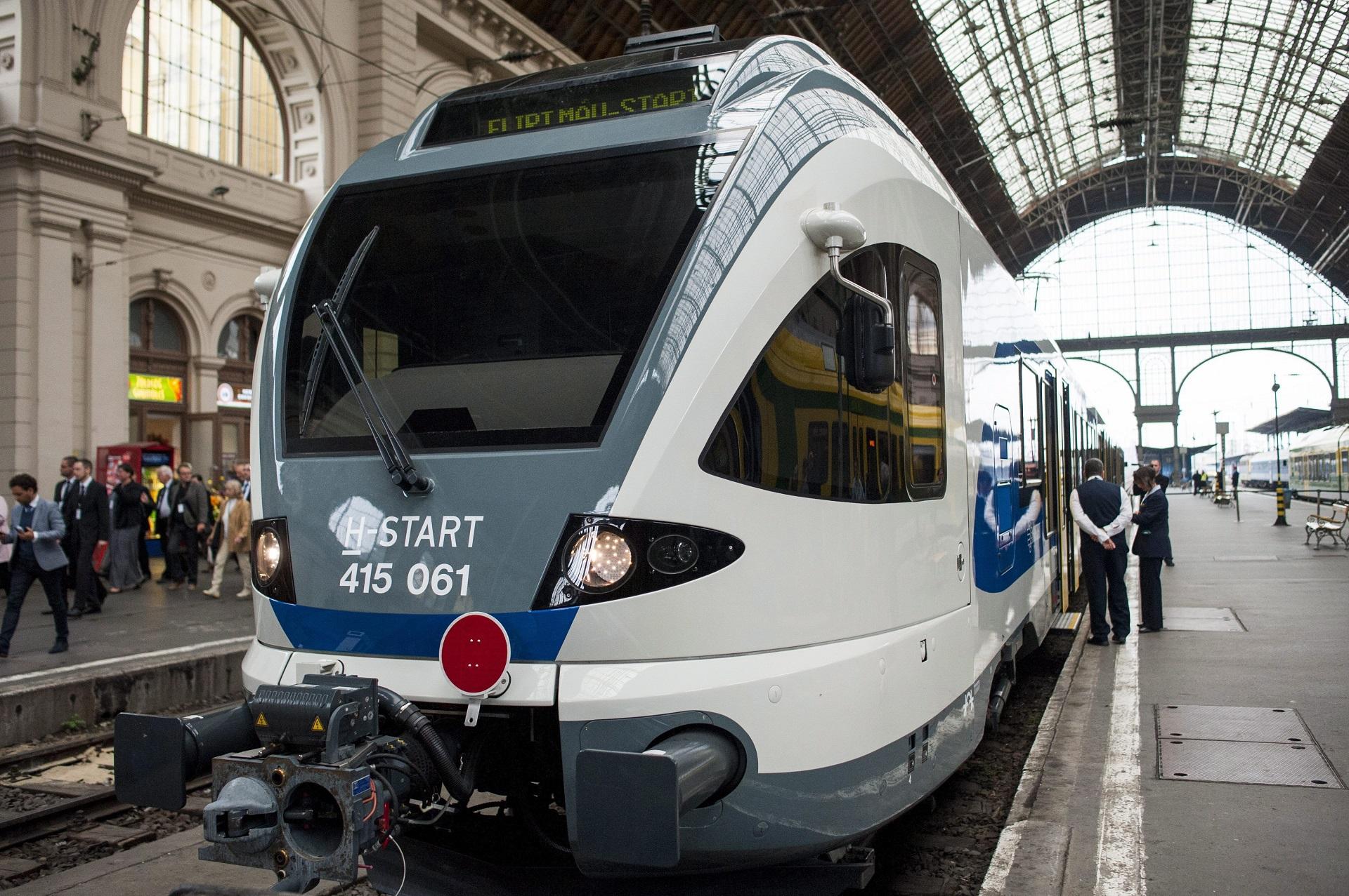 Forradalom: a MÁV szegedi IC-vonatain ülőhelyek is lesznek a kerékpárszállító kocsikban
