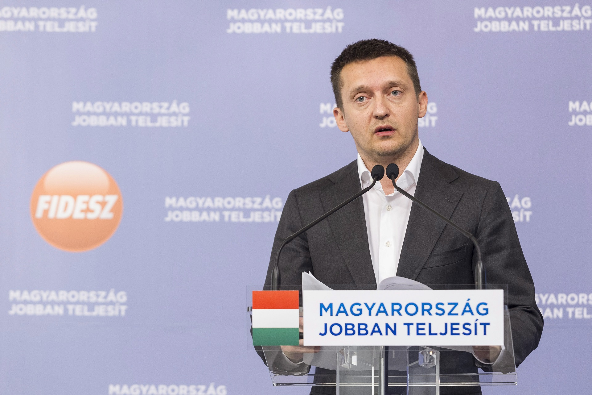 Újra győzött a magyar jogállam: nem nyomoz az ügyészség Rogán Antal vesztegetési ügyében