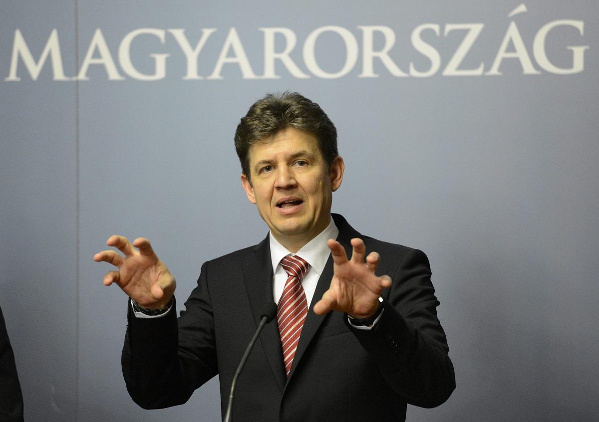 A paksi bővítésért felelős korábbi államtitkár száma is rajta volt a Pegasus-listán