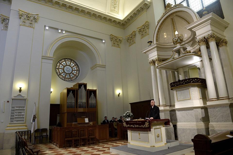 A reformátusok szüneteltetik az istentiszteleteket, áhítatot, jegyesoktatást