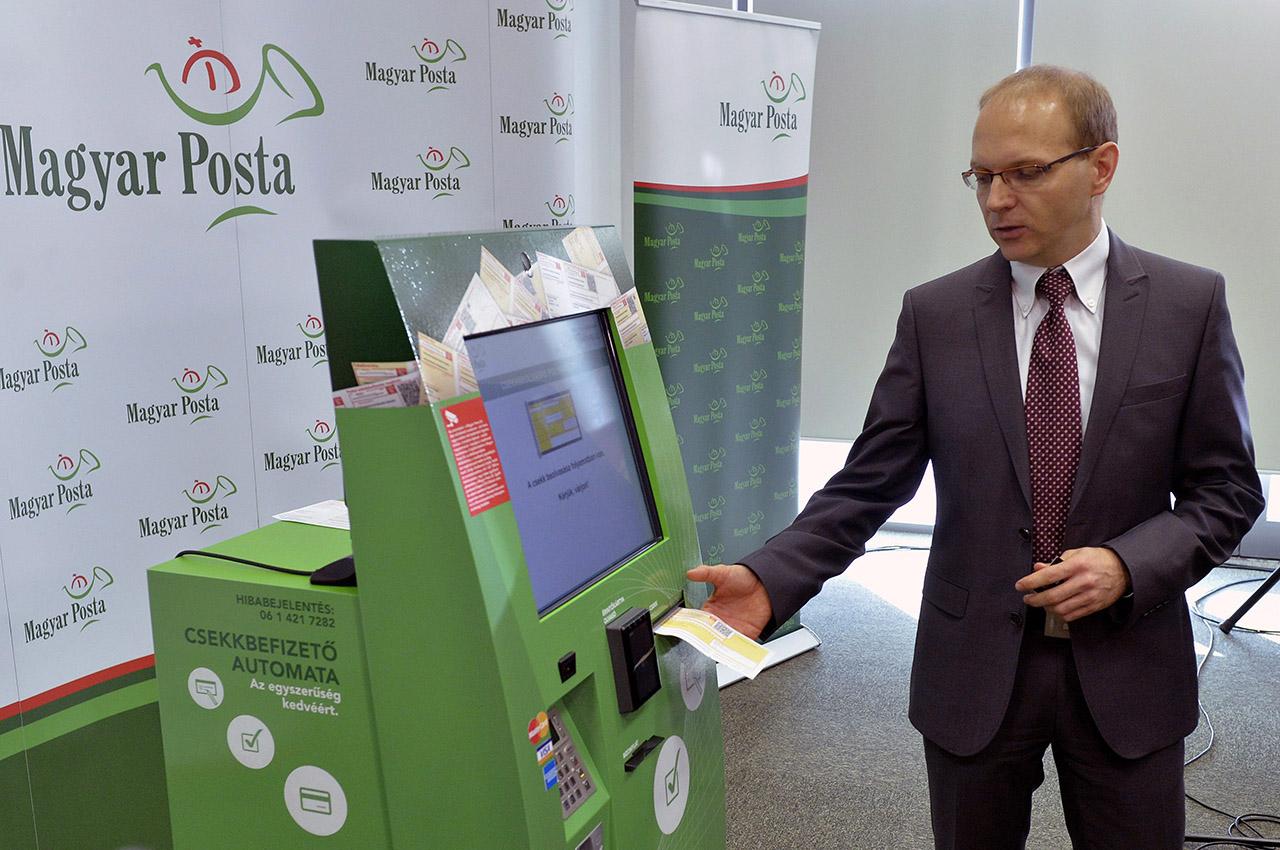 Kimondta a bíróság: a posta szerződései közérdekű adatok