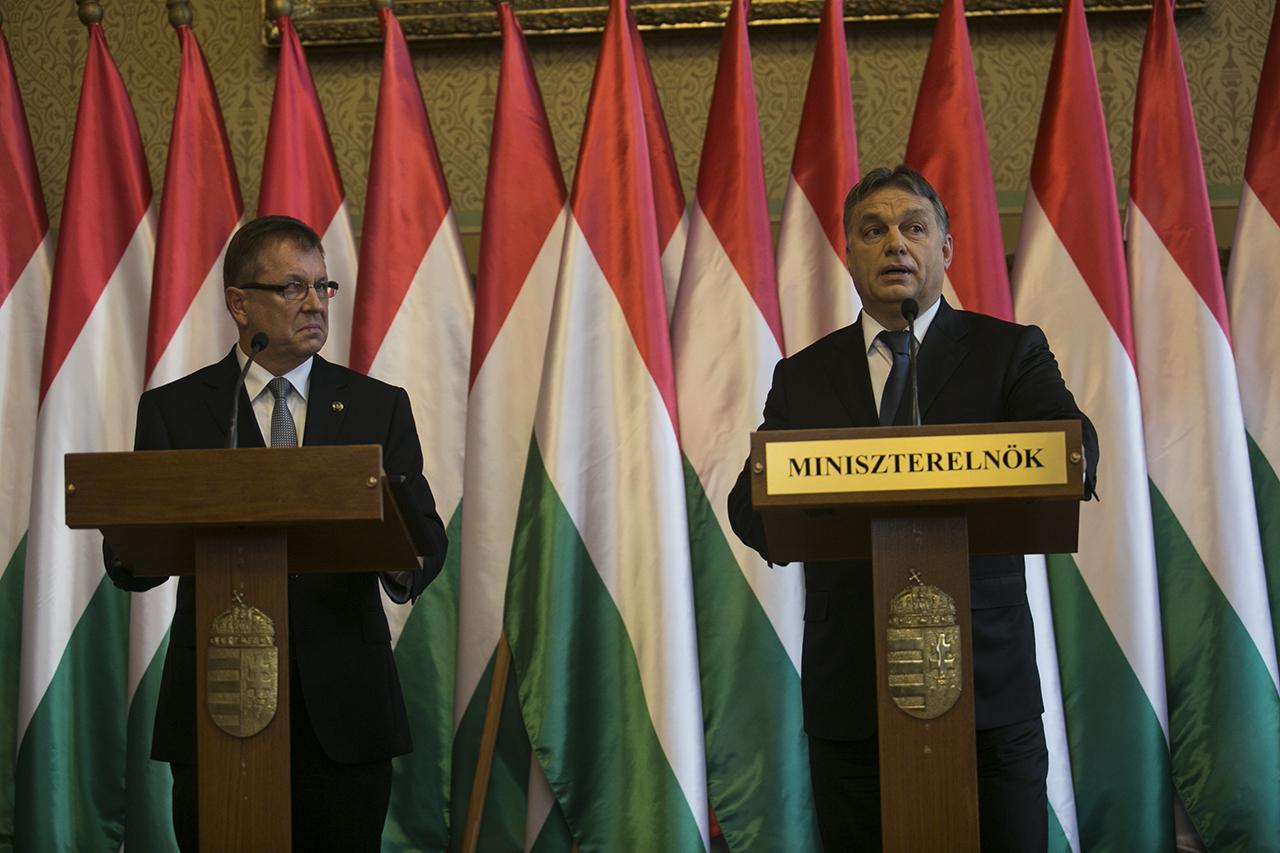 Matolcsy szerint nem volt bennfentes kereskedés az Ákos és a Telekom közötti balhénál