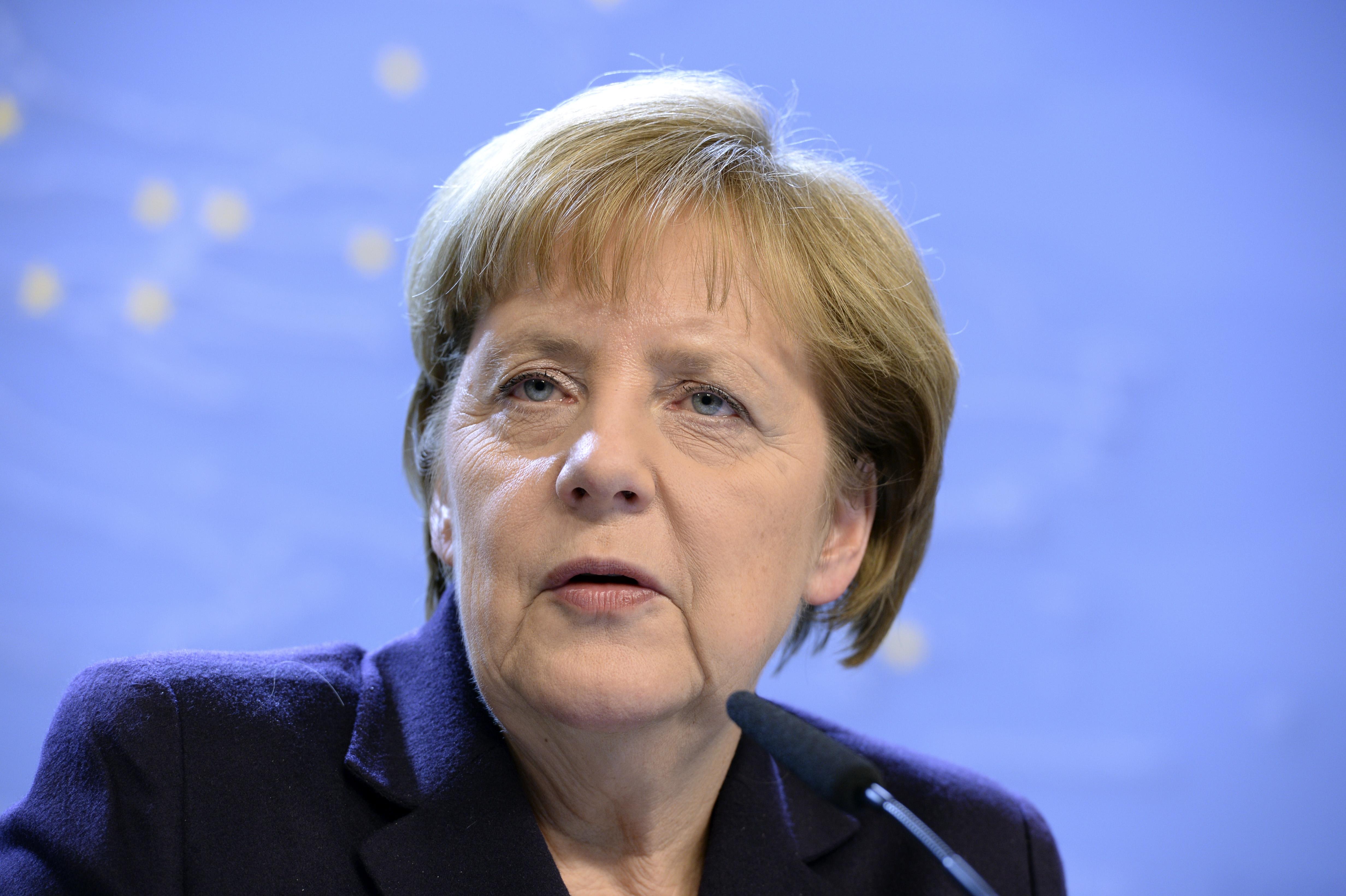 Merkel: Nem állapot, hogy a 28 uniós tagországból csak 4 fogad be menekülteket