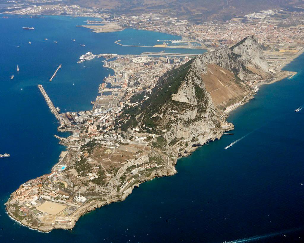 Feltartóztattak egy Szíriába tartó olajszállító tartályhajót Gibraltárnál