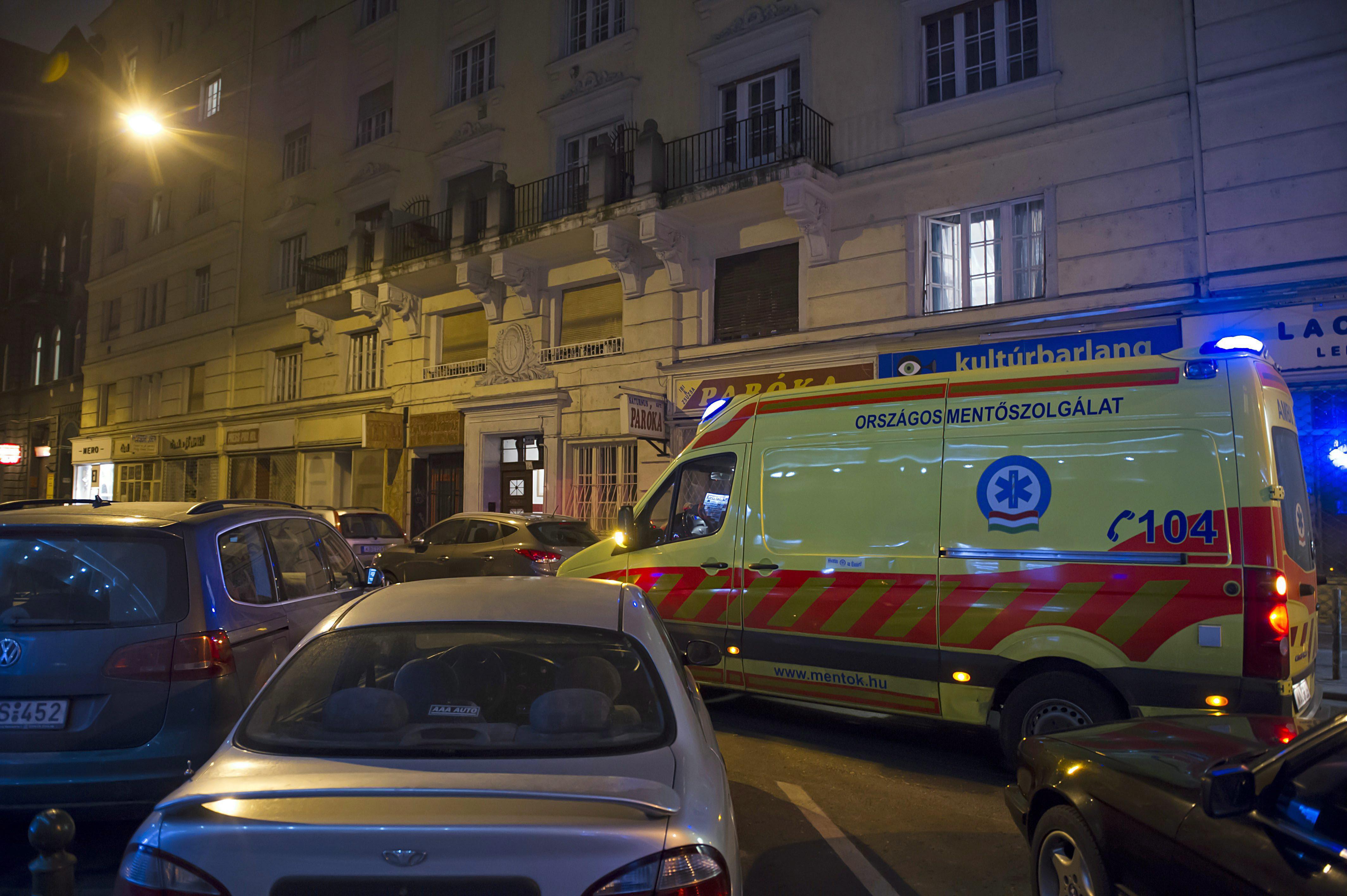 Órákon keresztül kerestek megfelelő kórházat a mentősök az életveszélyben lévő nőnek. Az asszony végül meghalt