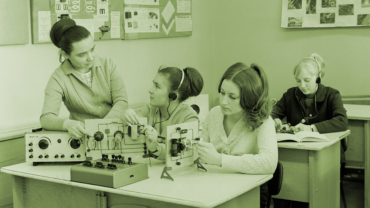 A szakiskolák is lázadnak: Tudás helyett csupán jól hangzó bizonyítványt kapnak a gyerekek!!4