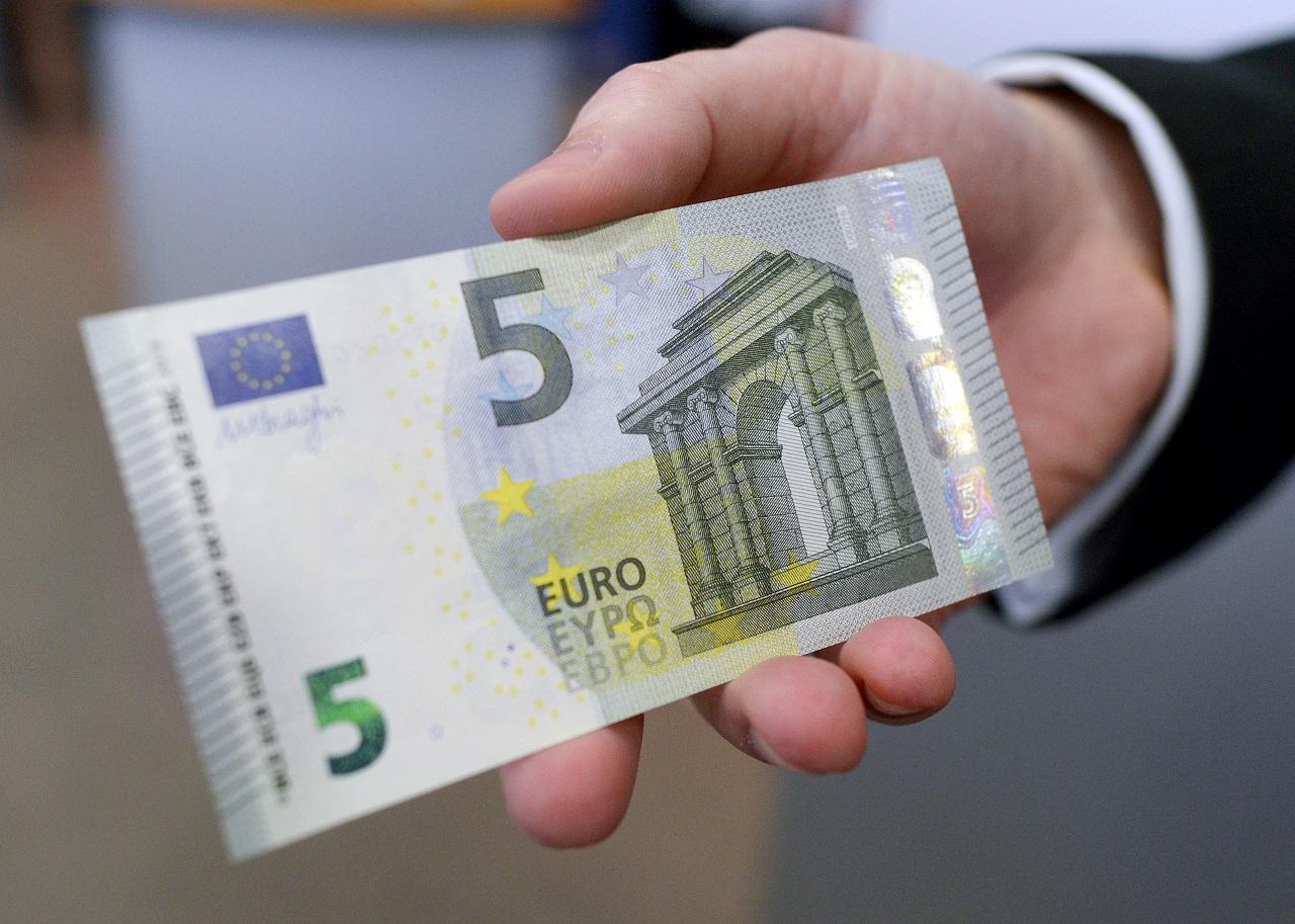 Rengeteg EU-pénzt tudna a kormány a járványra átcsoportosítani, ha akarna