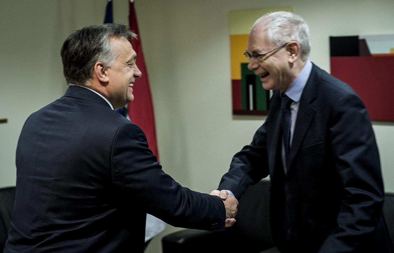A néppárti bölcsek vezetője szerint Orbán válaszai problémásak
