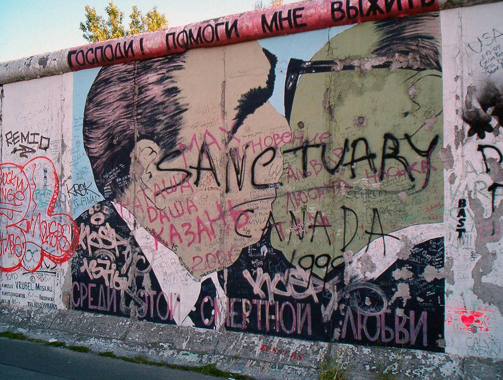 55 éve ezen a napon kezdték építeni a berlini falat