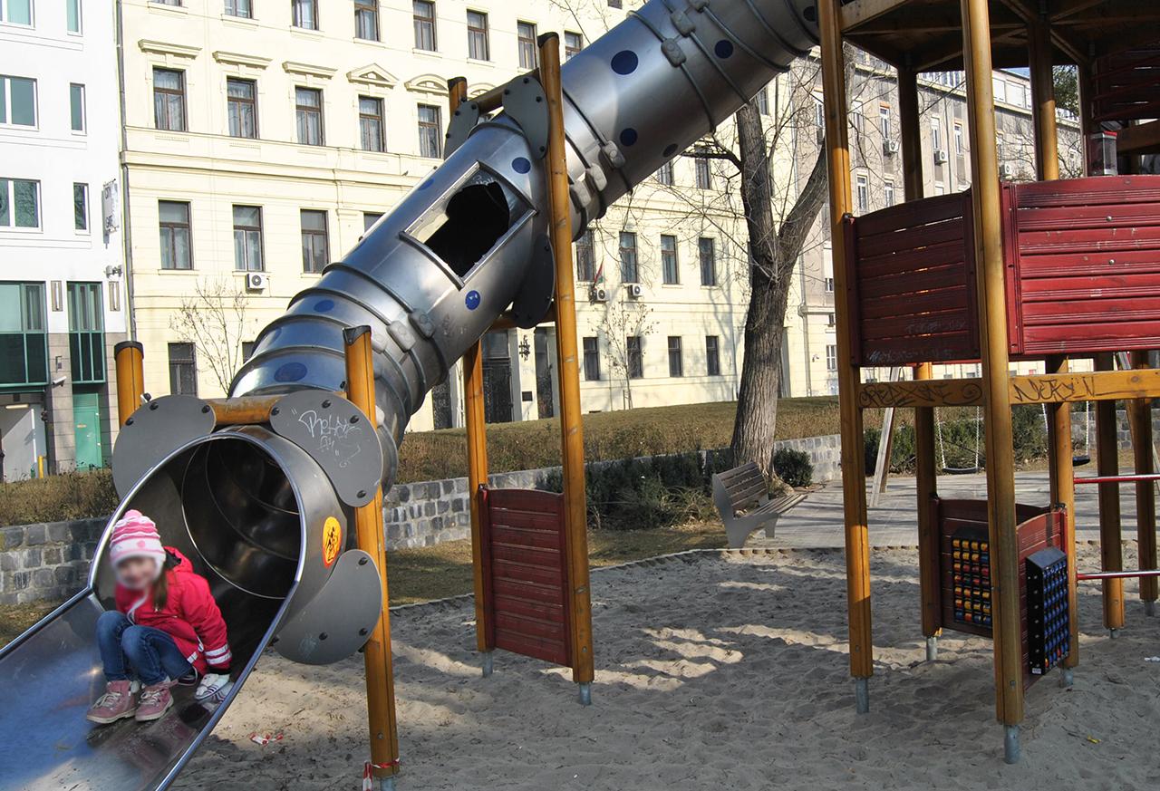 Vizsgálja az OLAF, hogy hogyan épülhettek Magyarországon Európa legdrágább játszóterei
