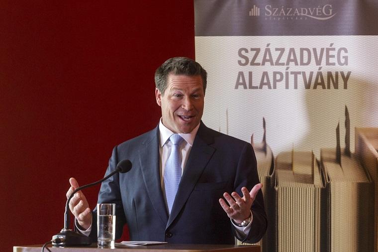 A magyar kormány a saját rémálmait váltja valóra Amerikában