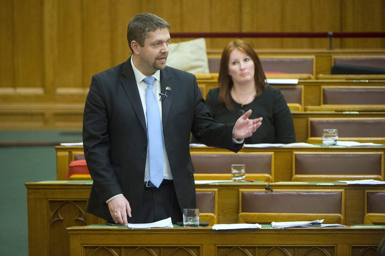 Az MNB és a Magyar Posta után melyik állami vállalat lesz a következő, aminek eltitkolhatják a pénzügyeit?