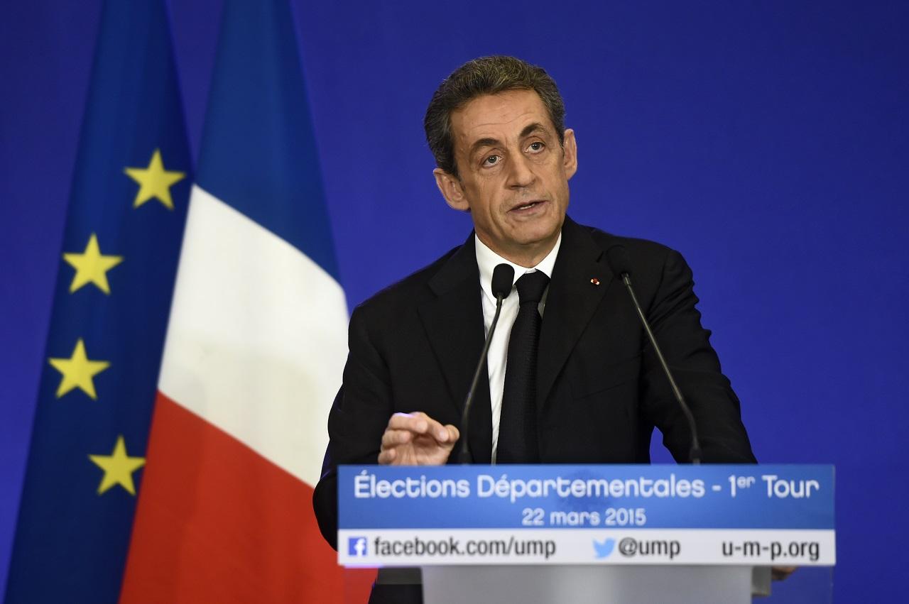 A jobboldali francia elnökjelöltek mind visszatelepítenék Angliába a brit határellenőrzési eljárást