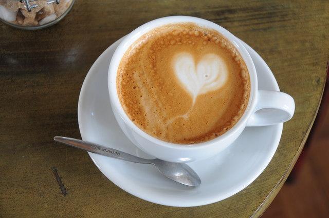 A kávé nem árt a szívnek és az érrendszernek, a filteres kávét ivók pedig tovább élnek, mint akik nem kávéznak